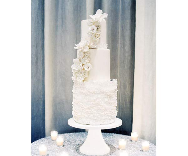 7 Hot Wedding Cake Trends For 2017 Every Bride Needs To Follow - Trending Wedding Cakes