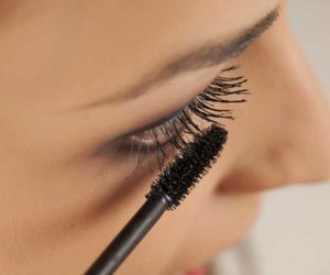 32860c00fb1 One particular dermatologist-tested drugstore mascara is the Neutrogena  Healthy Lengths Mascara. Its consistency is made up of a Vitamin E and  olive oil ...