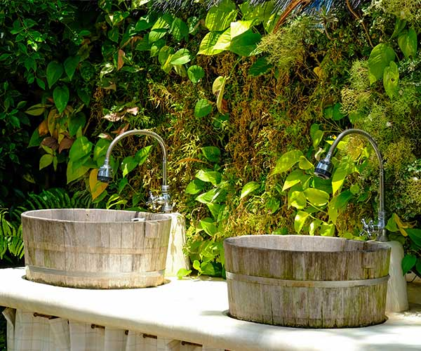 Outdoor Wedding Bathroom Ideas: 5 Things You Can Tell Your Guests To Expect At An Outdoor
