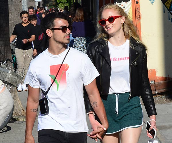 joe jonas and sophie turner pregnancy 4