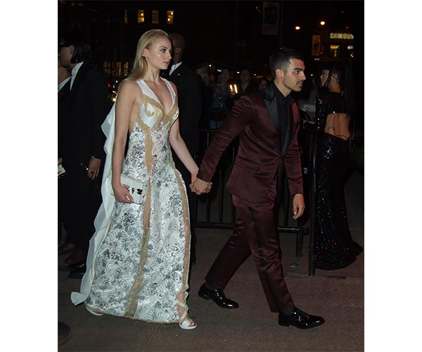 joe jonas and sophie turner pregnancy 3