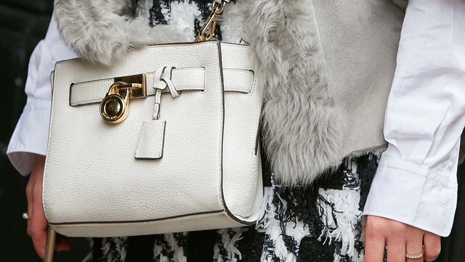 5 Hacks To Know When Shopping For Michael Kors Purses 46ba76a486