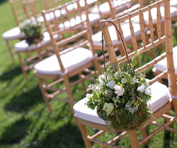 5 Amazing Outdoor Wedding Ideas For Brides On A Budget