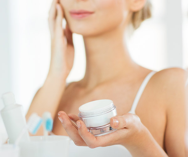 The One Anti-Aging Moisturizer You Should Use To Look 10 Years Younger