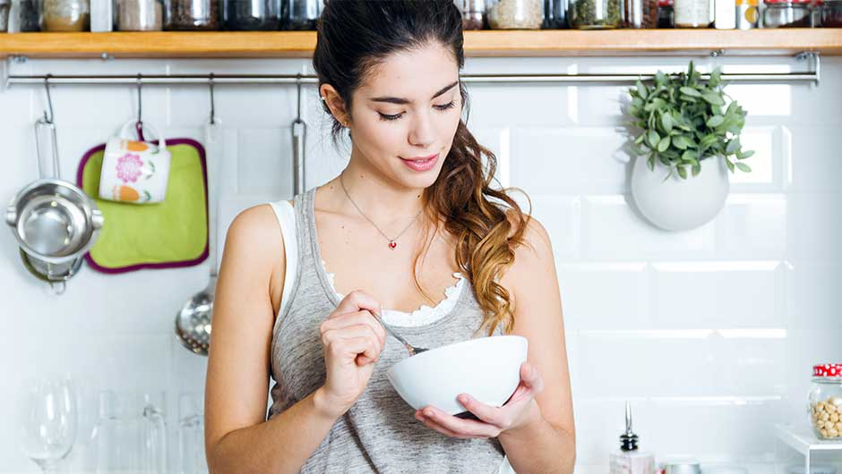 4 Anti-Inflammatory Breakfasts Docs Say You Should Eat To Rid Of Belly Fat