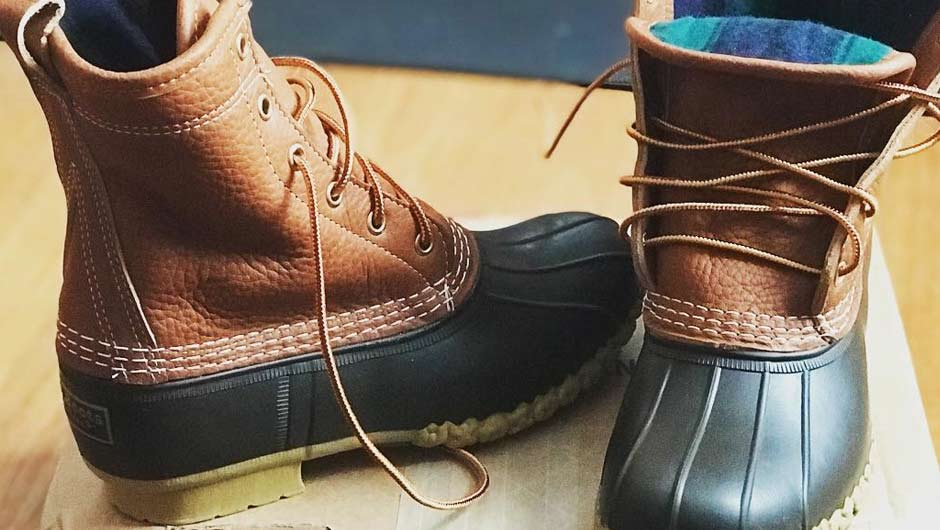 638a50bf5d85 HACK  Here s How To Eastland Knot Your L.L. Bean Duck Boots - SHEfinds