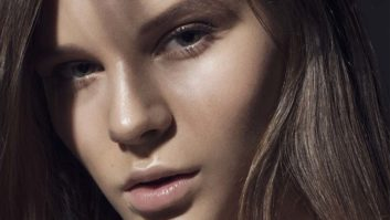 Here's How To Clear Up Your Skin And Fulfill Your New Year's Resolution