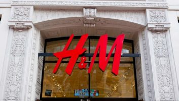 H&M's 2017 Black Friday & Cyber Monday Deals Are Starting At $3! Here's Everything You Need To Know.