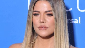 Um, Did Khloe Kardashian Not Realize She Forgot To Wear Pants On The Red Carpet?
