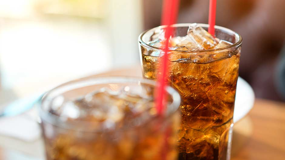 11 Reasons You Should Never Drink Soda, Like Ever - SHEfinds