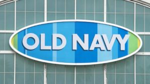 Old Navy Just Announced Its $1 Black Friday Deal & We're Freaking Out!