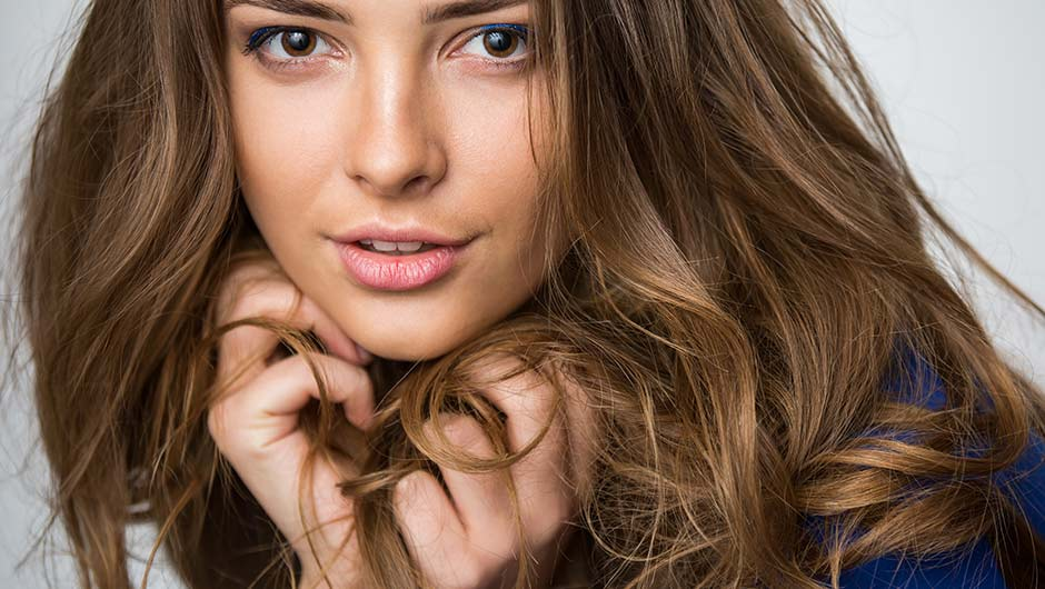 5 Cheap Natural Drugstore Products Experts Swear By For Thinning Hair