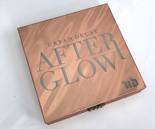ONS Afterglow Highlighter Palette front