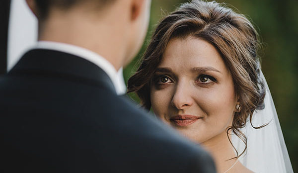 5 Mistakes Brides Always Make When Planning Their Vows
