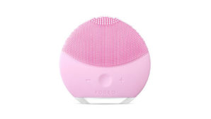 Beauty Enthusiasts <em>Love</em> FOREO's Luna Cleansing Brush--Here's How To Get One For 20% Off