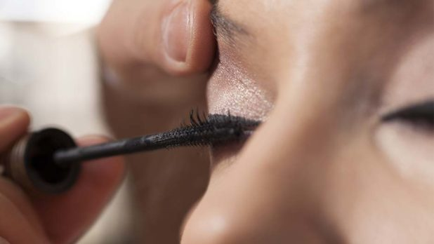 This Is The Secret To Growing Your Own Gorgeous, Full Eyelashes...