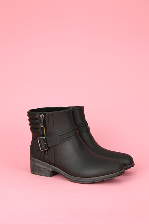aeriel beck waterproof bootie