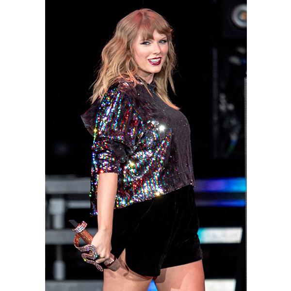 Taylor Swift New Tits