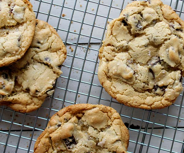 chocolate chip cookies dessert