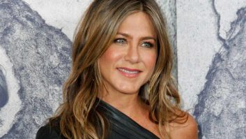 What is Jennifer Aniston Doing?! She Looks Exactly The Same In A Bikini At 48!