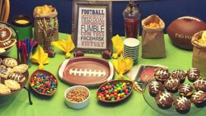 6 Super Bowl Party Ideas For People Who Aren't The *Biggest* Football Fans