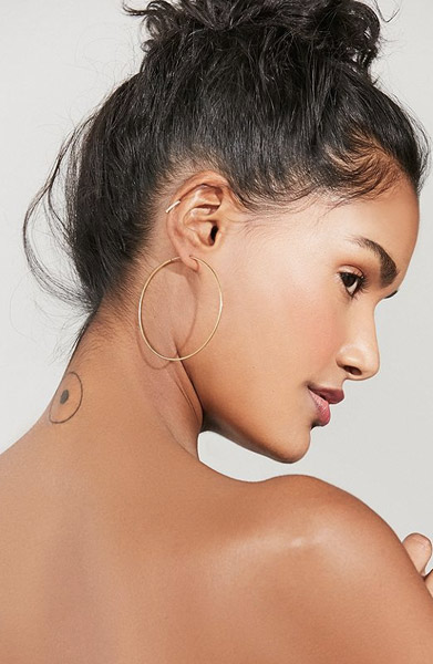 urban outfitters gold hoop earrings