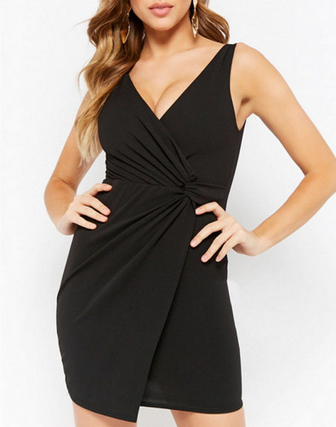 40907ea75a9 The 9 Best Little Black Dresses That Every Woman Should Own - SHEfinds