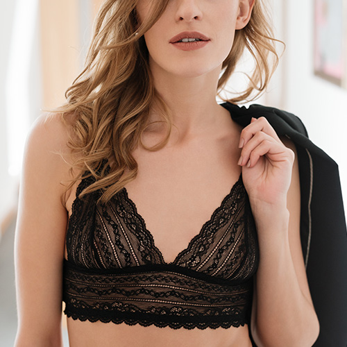 5 Life-Changing Bra Tricks That Will Make You Look 10 Years Younger f07adc19c