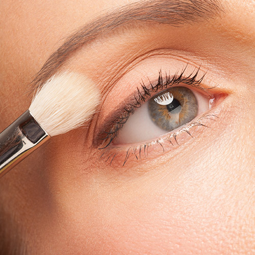 5 Life-Changing Eyeshadow Hacks That Will Make You Look 10 Years Younger