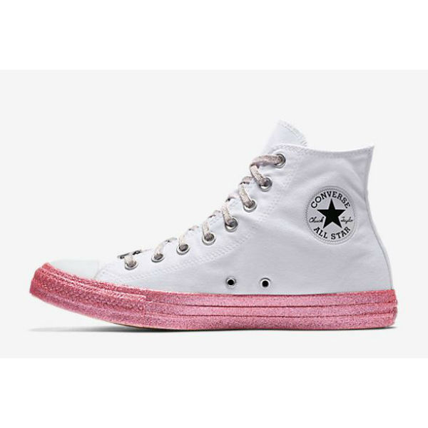 a8572ab9581a The Miley Cyrus x Converse Collection Is Here–  It s Already Selling ...