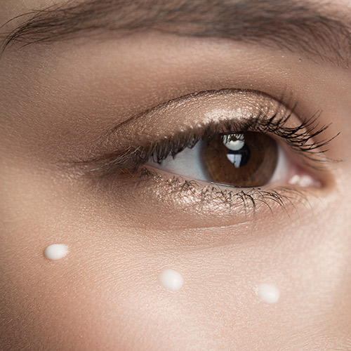5 Natural Eye Creams Dermatologists Swear By For Instant Results
