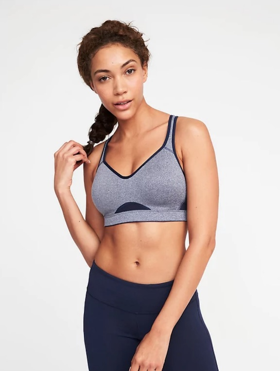 c2d80a246258f Old Navy Is Having An AMAZING Sale On Workout Clothes Right Now ...