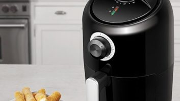 Don't Miss Your Chance To Own An Air Fryer For Just $54.99 #YouKnowYouWantOne