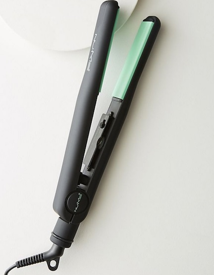 nume hair straightener