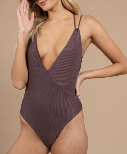 flattering one piece bathing suits