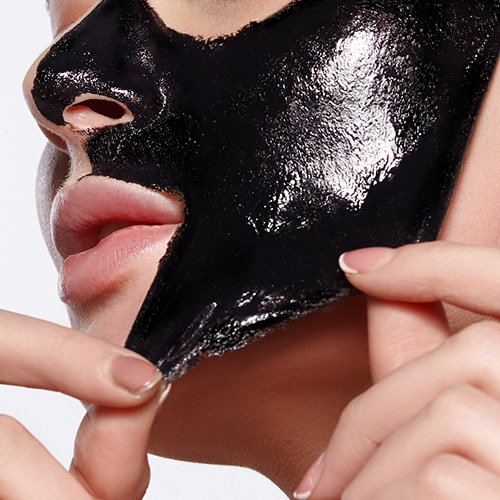 The Bizarre 5-Minute Mask That Actually Makes Your Skin Look 10 Years Younger