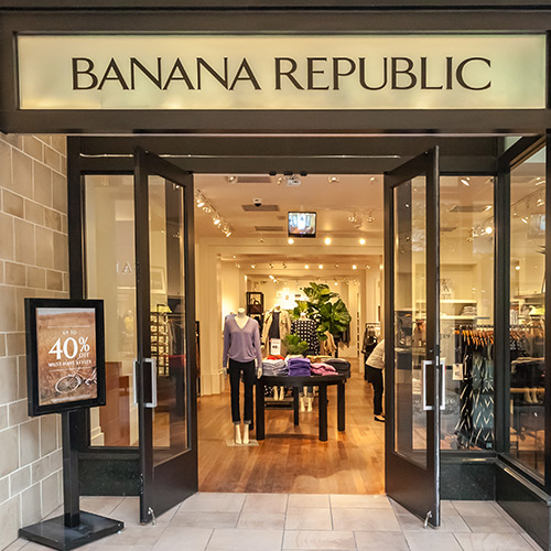 7 Things You Have To Buy From Banana Republic's Friends Family Sale While They're Still 40% Off