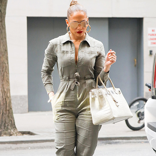 4bd19474e4b The Unexpected Styling Trick Jennifer Lopez Swears By To Look 10 Years  Younger