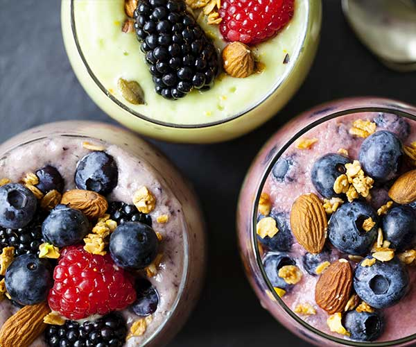 4 Anti-Inflammatory Smoothies That Will Help You Lose Weight Fast, According To Nutritionists