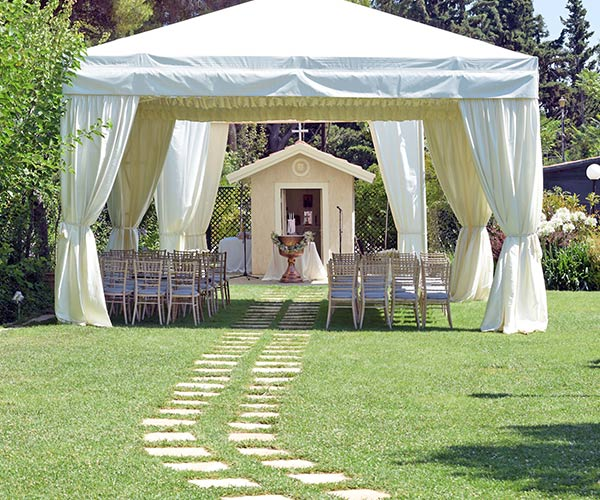 How To Plan An Outdoor Wedding 10 Planning Mistakes: 10 Mistakes Brides Make When Planning A Backyard Wedding