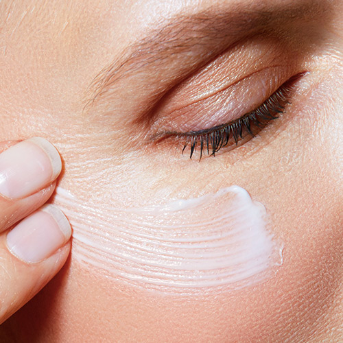 The Cheap Natural Product That Gets Rid Of Under-Eye Circles SO Fast