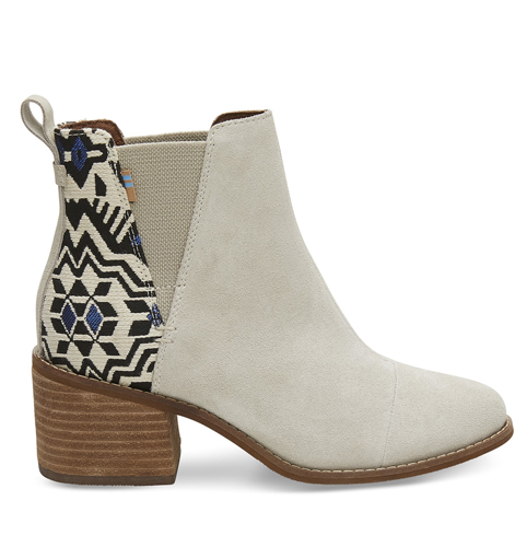 b30a446b3a3 The Super Comfortable Boots Everyone Can t Stop Buying For Fall ...