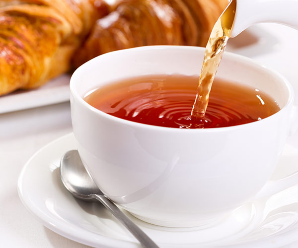 The One Anti-Inflammatory Tea Experts Swear By To Lose Fat Fast