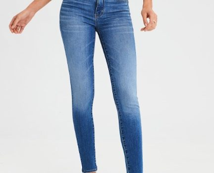 The $37 Jeans Celebrities Swear By Because They Go With Everything