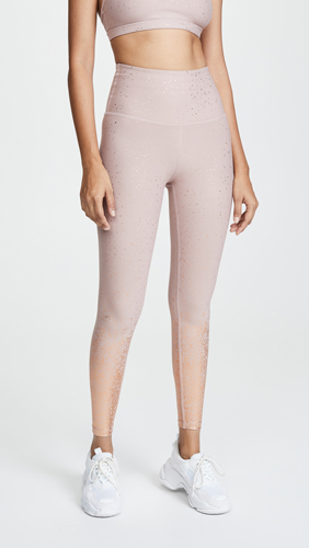4f7e7a137be0d These Are The Super Flattering Leggings That Jennifer Lopez Swears ...