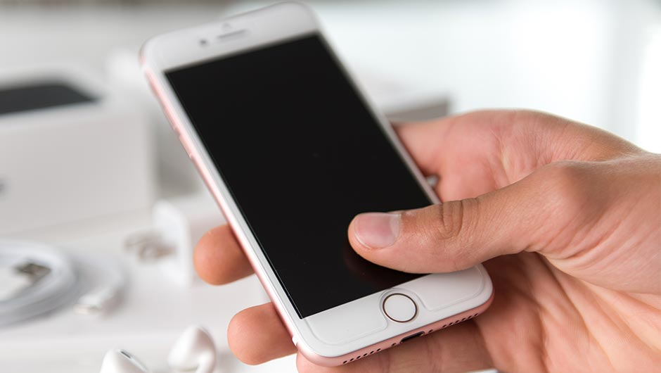 The One App You Should Delete ASAP If Your iPhone Battery Is Always Dying