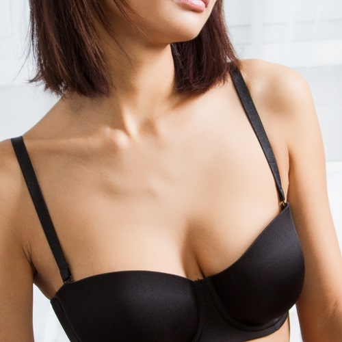 FYI, This $21 Black Bra Is The Best--Get One While It's On Sale!