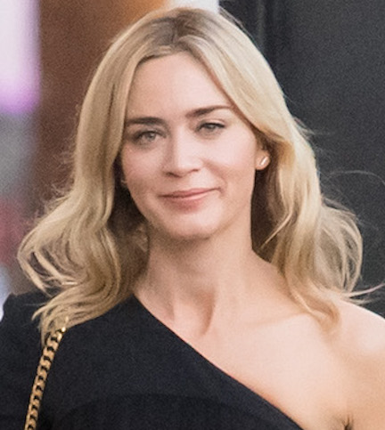 Emily blunt boobs