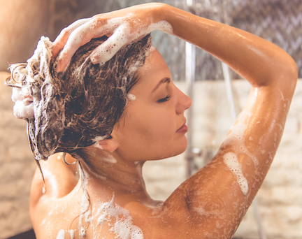 The One Shampoo You Should START Using To Prevent Thinning Hair, According To A Dermatologist