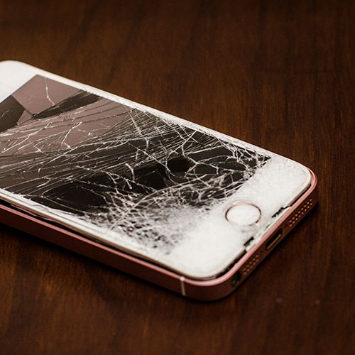 The One Thing You Should Never Do When You Drop Your iPhone